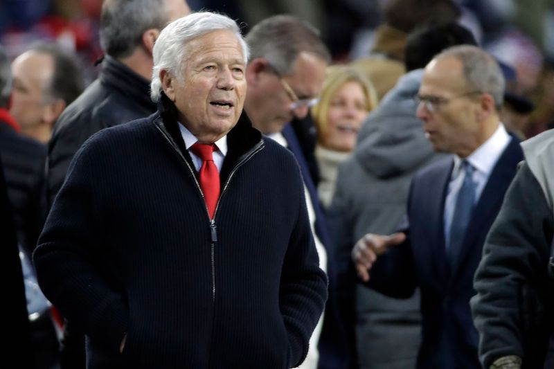 Robert Kraft Uses Patriots Team Plane to Bring Over 1 Million N95 Mask From China to Massachusetts