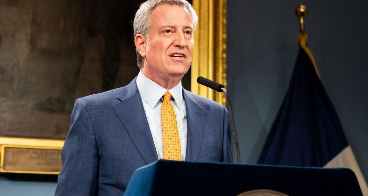 New Yorkers Face $500 Fine for Ignoring Social Distancing Order
