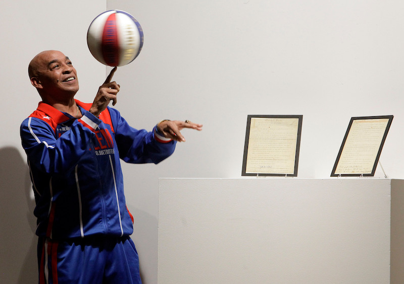 SOURCE SPORTS: Harlem Globetrotters Legend Fred 'Curly' Neal Passes Away at 77
