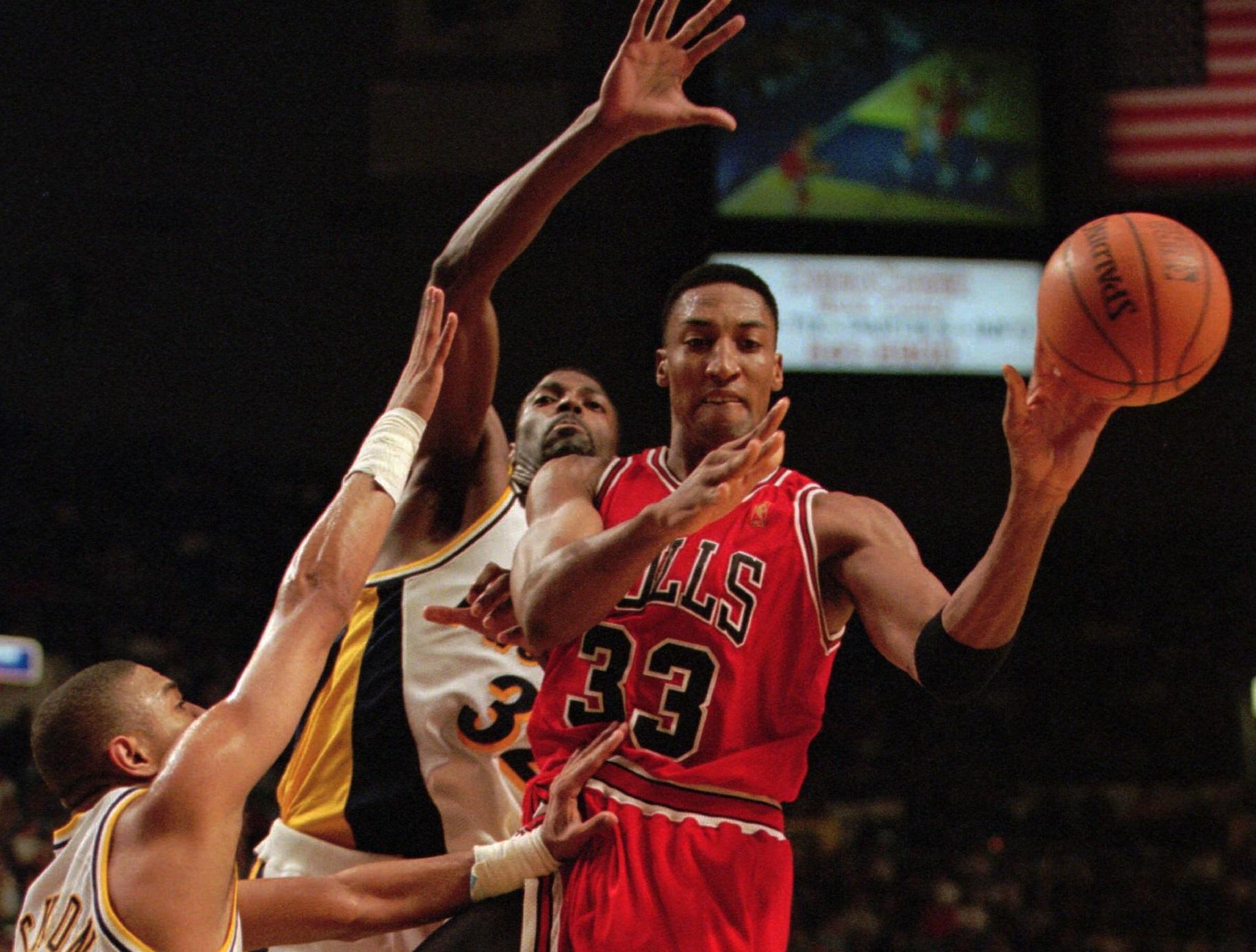 Jordan's Former Agent: Scottie Pippen is Jealous of MJ