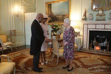 queen elizabeth ii audience at buckingham palace london uk shutterstock editorial 8418373e