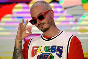SOURCE LATINO J. Balvin Reveals Hes Recovering From Coronavirus During 2020 Premios Juventud