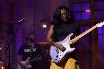 H.E.R. Promotes #EndSARS During 'Saturday Night Live' Performance