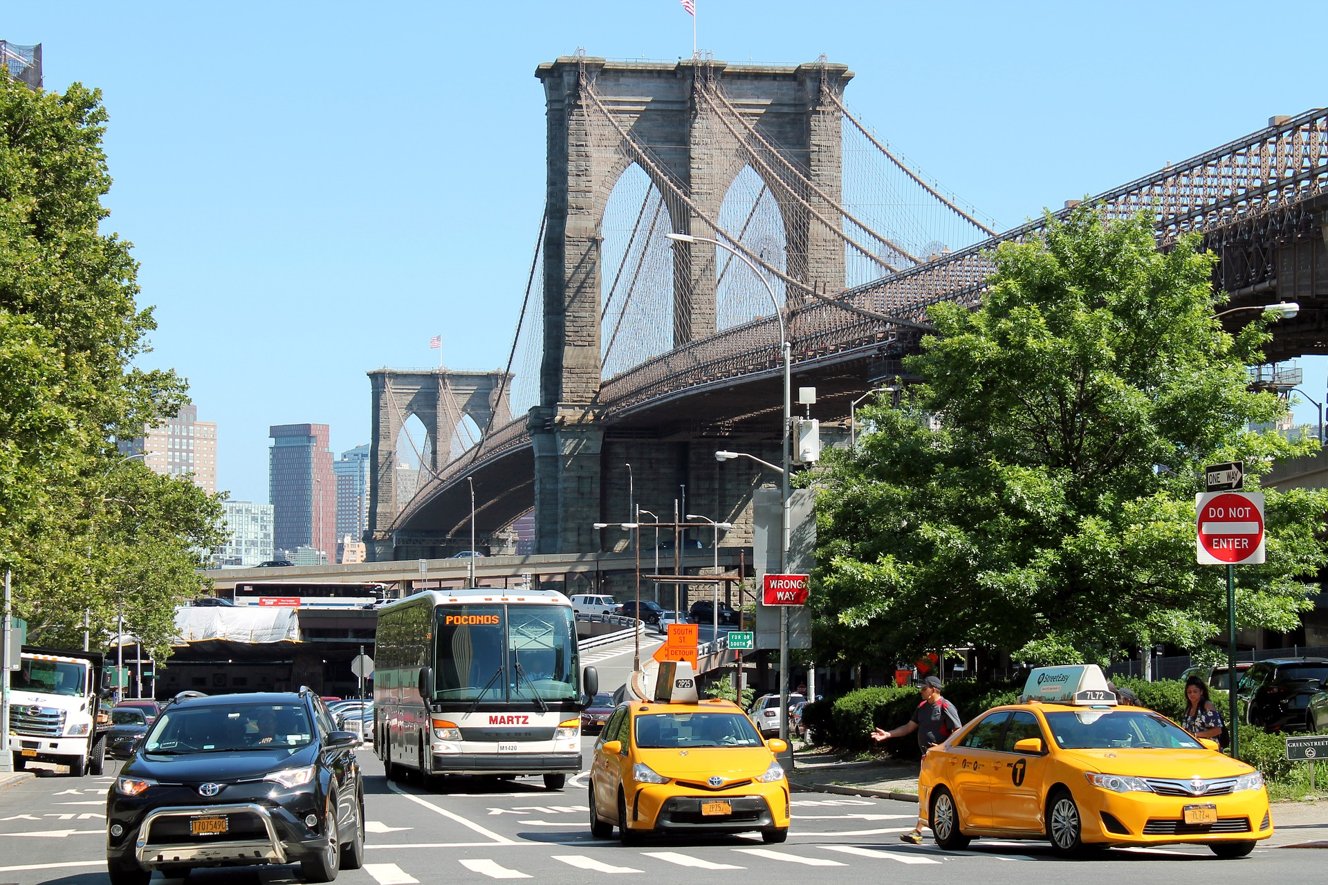 10,000 Person Wedding Gets Shut Down in Brooklyn