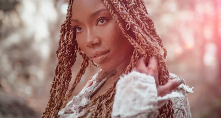Brandy Joins T.J.Maxx, Marshalls, and HomeGoods to Give Back in #CarolForACause Holiday Campaign