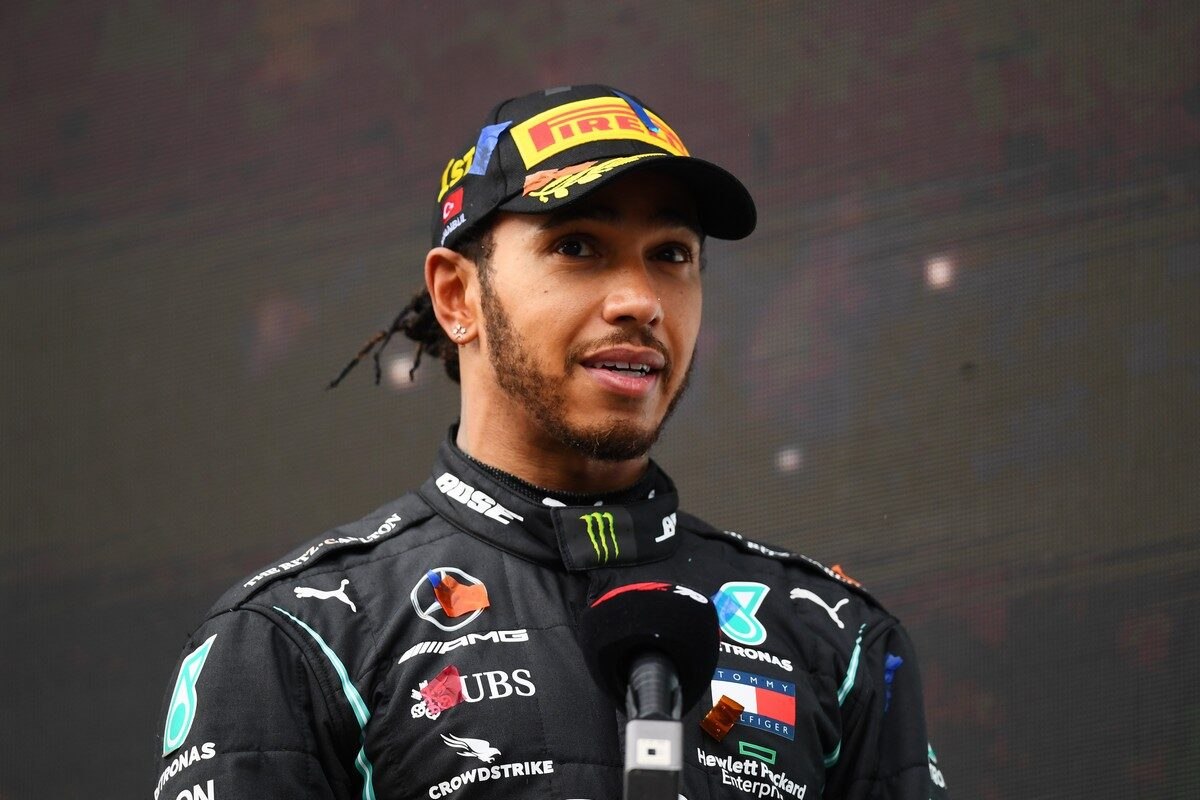F1 Lewis Hamilton Tests Positive for COVID-19