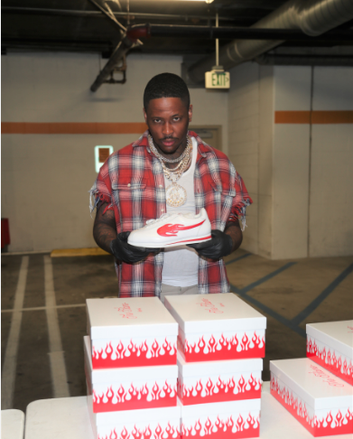 "Los Angeles Native YG Gives Away $10K Worth Of New ""Block Runner"" Sneakers At Skid Row's Union Rescue Mission"