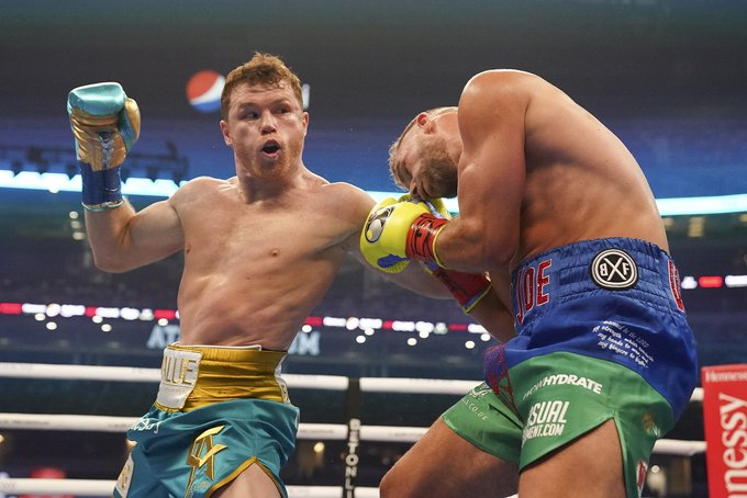 SOURCE SPORTS: Canelo Alvarez Makes Billy Joe Sanders Quit, Inches Closer to Undisputed Middleweight Championship