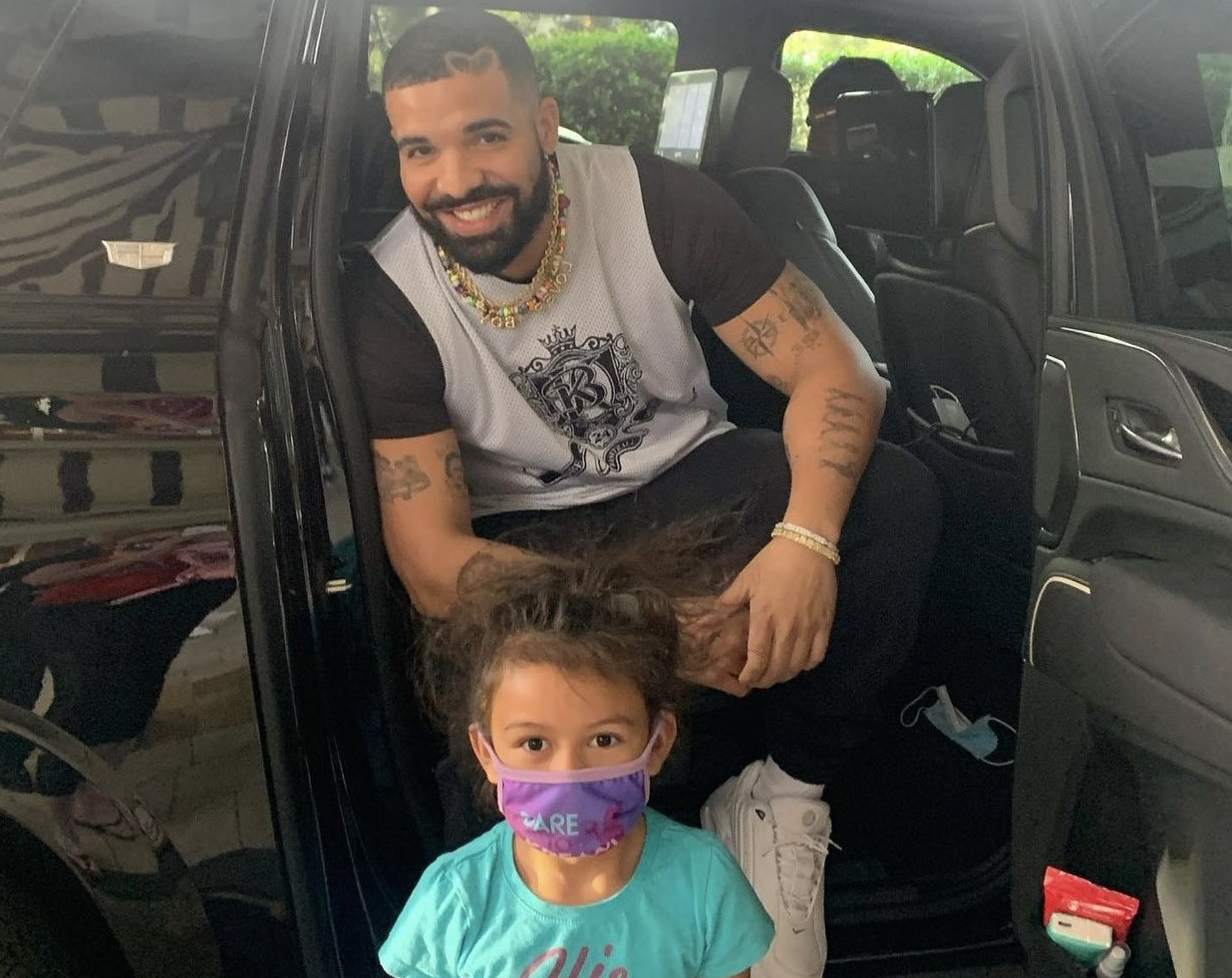 Drake Signs 'Views' Vinyl For Young Fan
