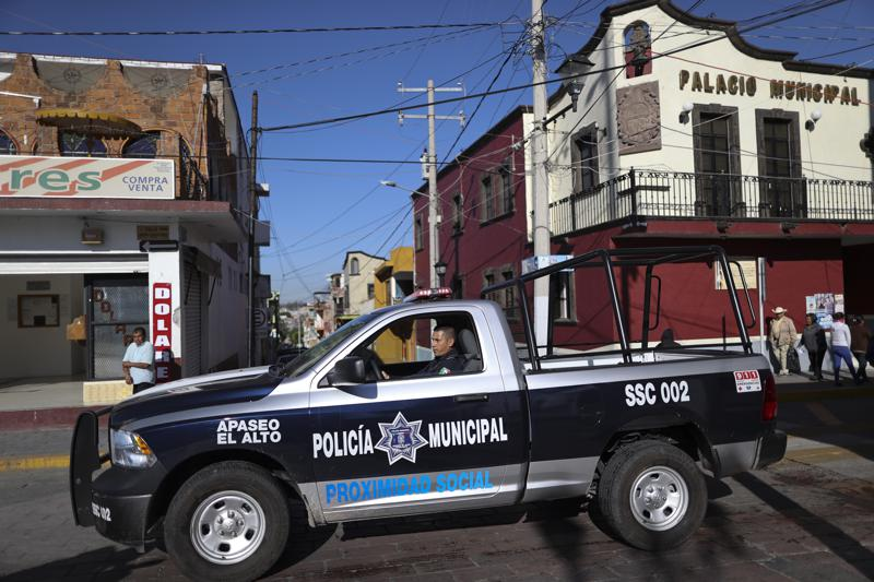Mexican Cartels Are Hunting Police At Their Homes