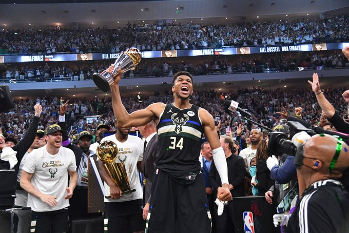 Giannis Antetokounmpo completes the challenge that Kobe Bryant gave him