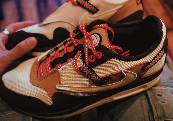 Travis Scott Nike Air Max 1 Baroque Brown 4