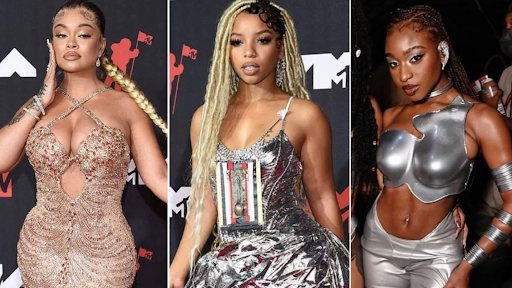 Bringing Sexy Back! The Top 10 Must-See Looks From Our Favorite Celebs at the 2021 MTV VMA's